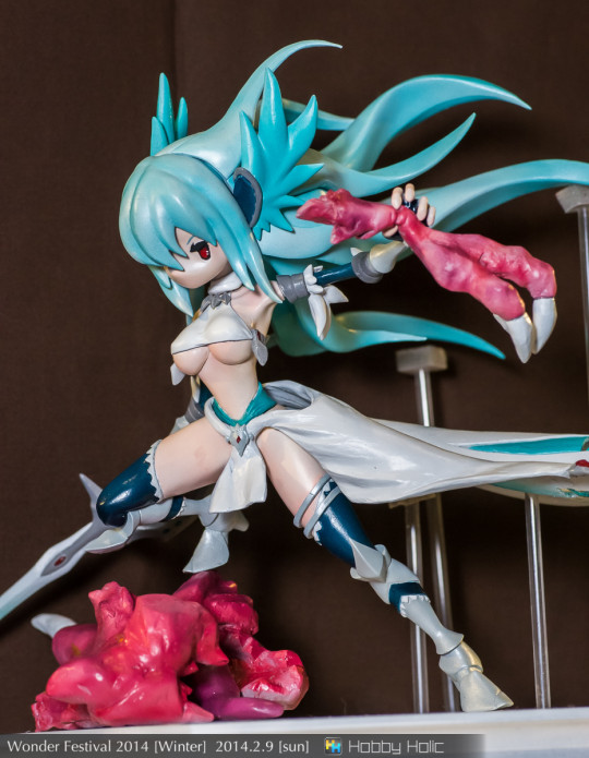wf2014winter_lostblonde_02